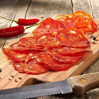 Salám s chilli krémem - krájený